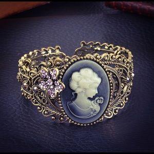 Vintage Relief Cameo Queen Purple Gem Bangle